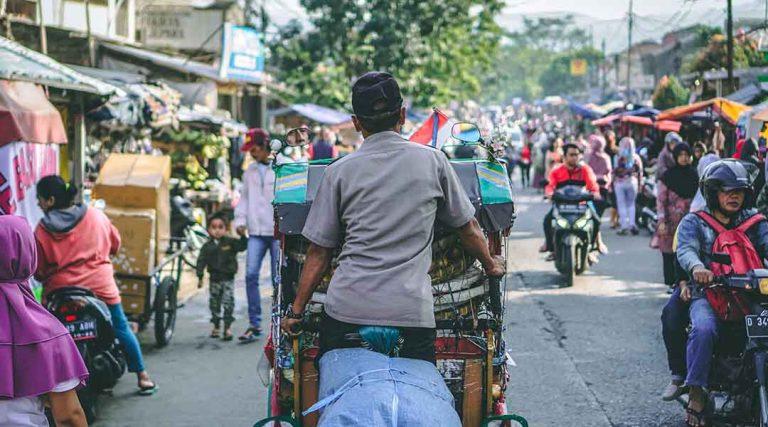 Een markt bezoek tijdens een stage Indonesie