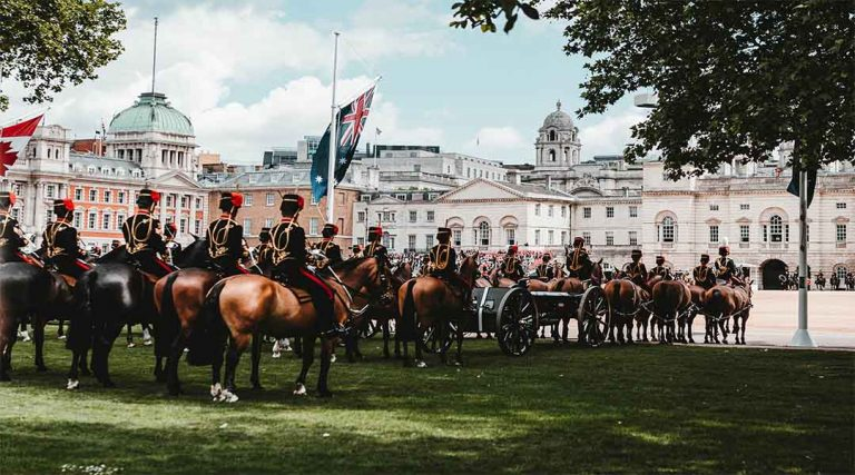 Horses in front of the royal house in London, England