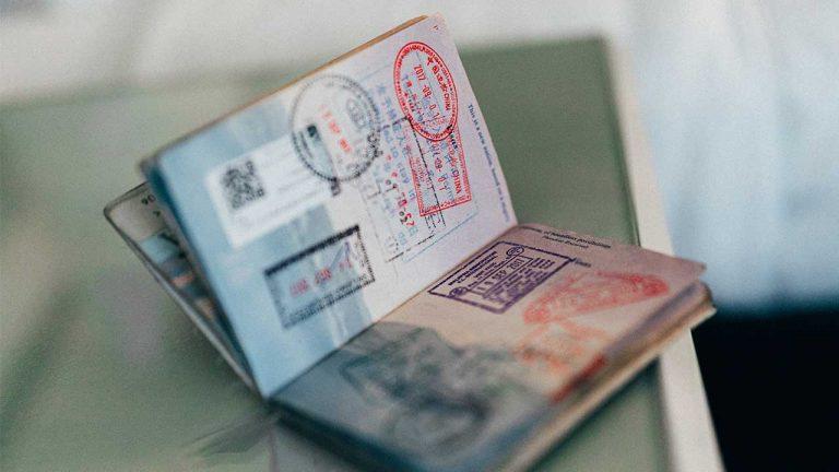 Amerikaans paspoort met het esta visum voor amerika